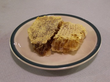 Cut Comb Honey Ready to Eat
